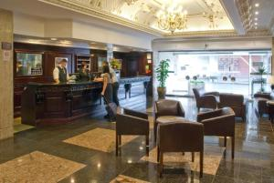 The lounge or bar area at Britannia Hotel Coventry