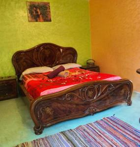 A bed or beds in a room at Hostel Marrakech Rouge