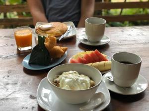 Options de petit-déjeuner proposées aux clients de l'établissement Lanta Para hut