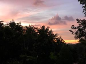 Lever ou coucher de soleil vu de la maison de vacances ou à proximité