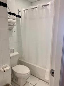 A bathroom at Hotel Milano