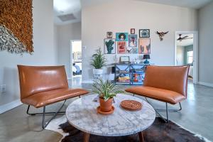 A seating area at Eclectic Joshua Tree