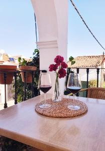 A balcony or terrace at Pensión El Barrio