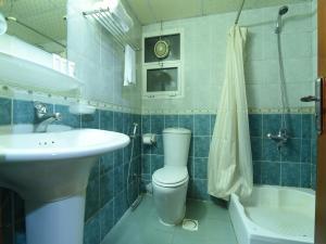 حمام في OYO 274 California Suites
