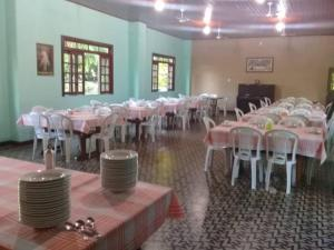 A restaurant or other place to eat at CTL - Itaparica