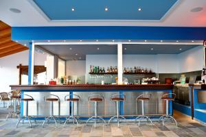 Ο χώρος του lounge ή του μπαρ στο Ξενοδοχείο Αρίων