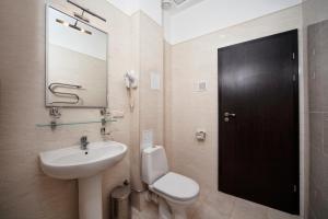 A bathroom at Black Sea Hotel Park Shevchenko