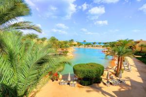 منظر المسبح في Stella Di Mare Grand Hotel او بالجوار