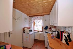 Küche/Küchenzeile in der Unterkunft Familien-Ferienwohnung Haustein