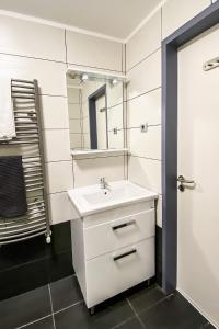 A bathroom at Dominik Panzió