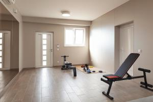The fitness centre and/or fitness facilities at Luxury apartments Vila Carissa