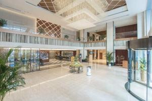 The lobby or reception area at Chongqing Liyuan Hotel