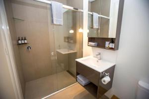 A bathroom at Deśa Retreat Ecovillas
