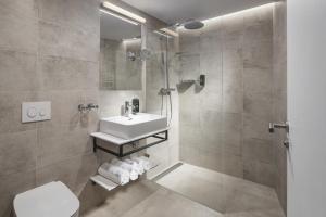 Un baño de Mamaison Residence Downtown Prague