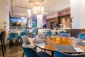 Restaurant ou autre lieu de restauration dans l'établissement Amura Alcobendas