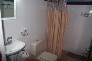 Un baño de Haven La Chance Desert Hotel