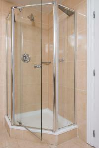 Ванная комната в The Brehon