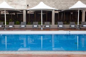 Crown Hotelの敷地内または近くにあるプール