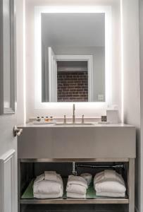 A bathroom at River Street Inn