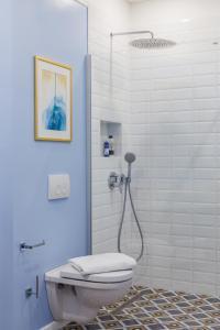 A bathroom at Golden Dunes