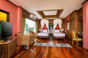A seating area at Phusanfah Resort