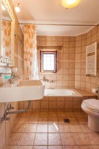 Ένα μπάνιο στο Δίκτυννα