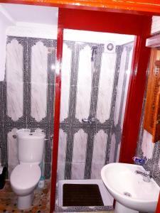 Salle de bains dans l'établissement Riad Royal