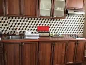 A kitchen or kitchenette at Apartamenty Centrum