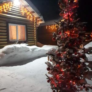 Гостевой двор «На Снежной» зимой