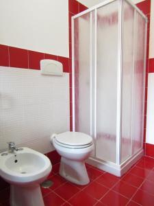 A bathroom at Lucia's apartaments