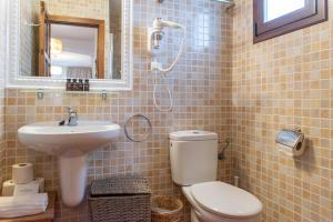 Ванная комната в Hostal La Torre Ibiza Cap Negret