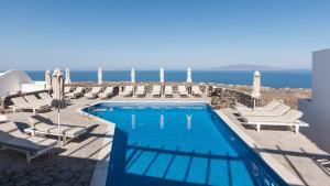 Vue sur la piscine de l'établissement Agnadi View Villa ou sur une piscine à proximité