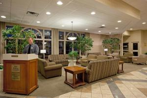 The lobby or reception area at Holiday Inn Portland-By the Bay