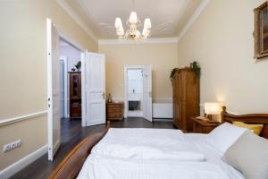 Letto o letti in una camera di Classy Old Town Suite #41