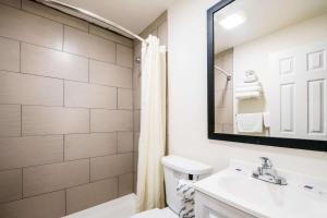 A bathroom at Motel 6-Tinton Falls, NJ