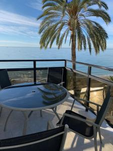 A balcony or terrace at Skol Apartments Marbella