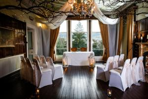 A restaurant or other place to eat at Harefield Hall
