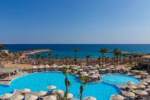 منظر المسبح في Beach Albatros Resort - Families and couples only او بالجوار