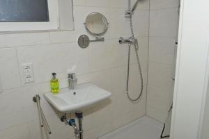 Ein Badezimmer in der Unterkunft Apartment in Reutlingen / Sickenhausen