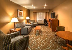 A seating area at Holiday Inn Express Winnemucca