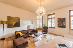Ein Sitzbereich in der Unterkunft FEWO Schieferjuwel 1 OG Weingut CA-Haussmann