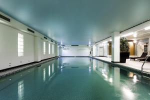 The swimming pool at or near Holiday Inn Milton Keynes Central