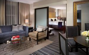 A seating area at Kimpton George Hotel