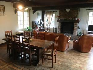 Salon ou bar de l'établissement Le Pré Sainte-Anne