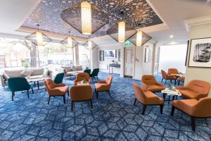 A restaurant or other place to eat at Mercure Nottingham Sherwood