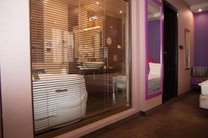 A bathroom at Hotel Leipzig
