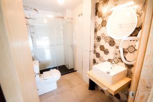 A bathroom at Pension Restaurante Casa Camiño