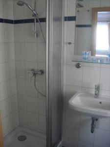 A bathroom at Pension im Ostseebad Sellin