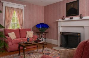 A seating area at Camden Maine Stay Inn