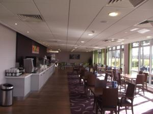 A restaurant or other place to eat at Holiday Inn Express Preston South
